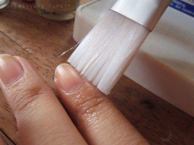 Слідкуйте за нігтями