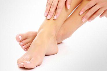 Товсті нігті на ногах: причини і лікування