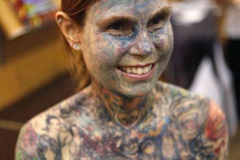 Все тіло в татуюваннях, фото